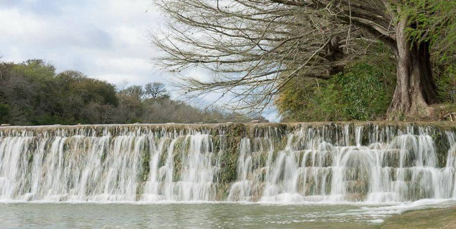 30 small town treasures to visit in the texas hill country for Blanco state park fishing