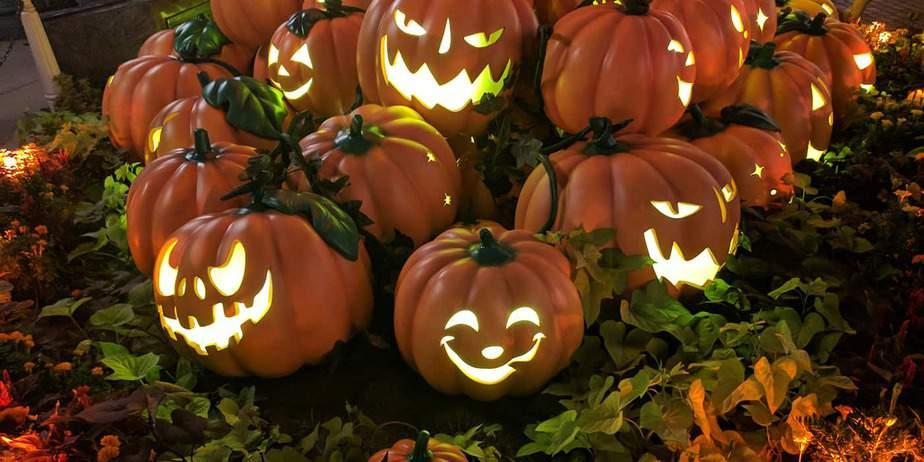 America's 30 Best Halloween Towns