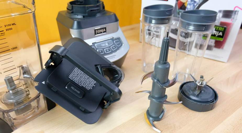Ninja BL660 Professional Countertop Blender: Unboxing