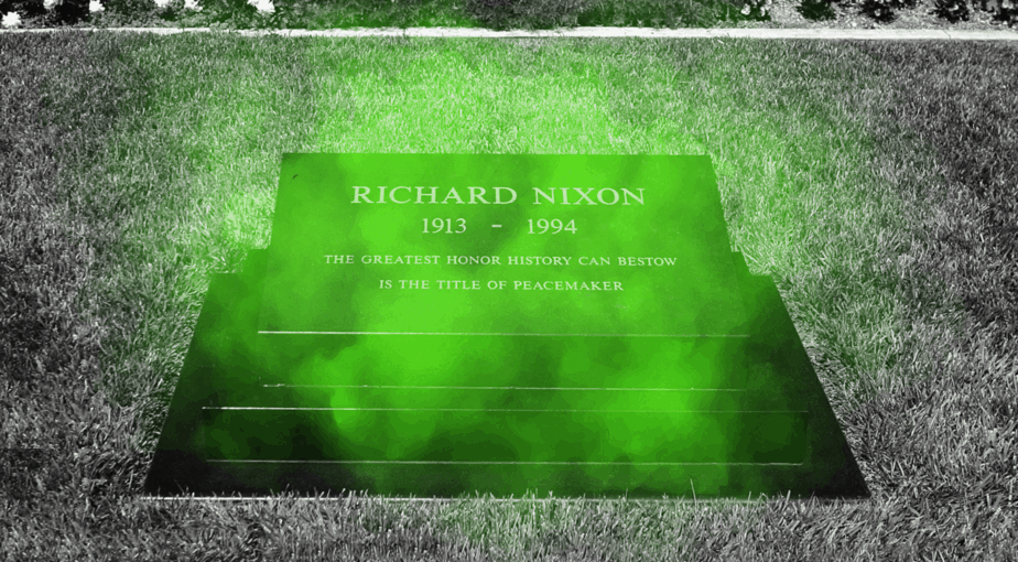 A green, hazy green mist has been reported around Nixon's headstone