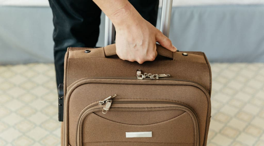 This image has an empty alt attribute; its file name is RAVE-FAQ-Luggage-HowFixHandle-Body-6-1024x565.jpg