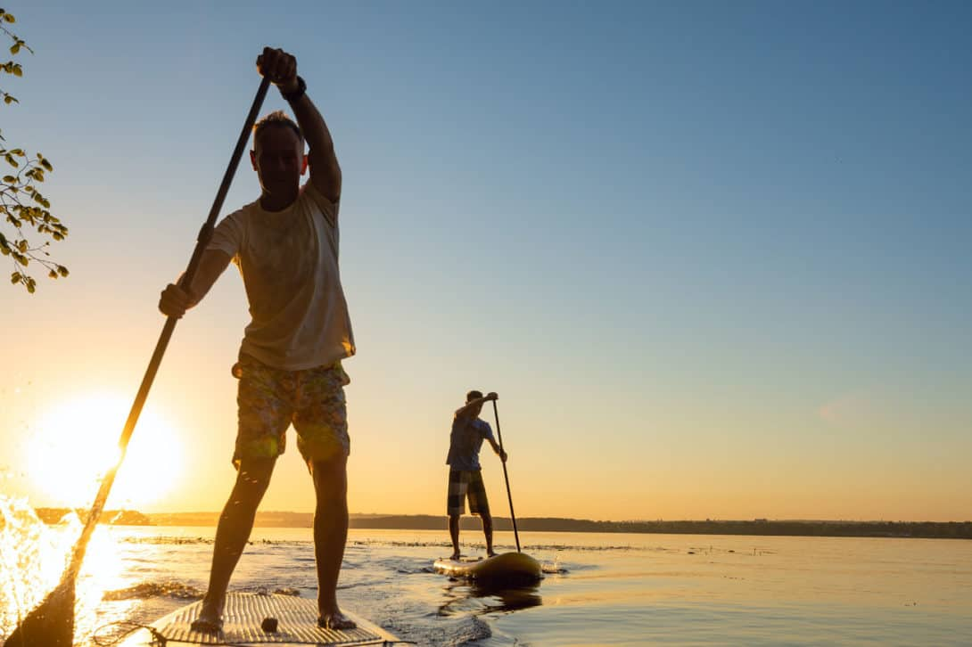 How to Hold a Paddle Board Paddle