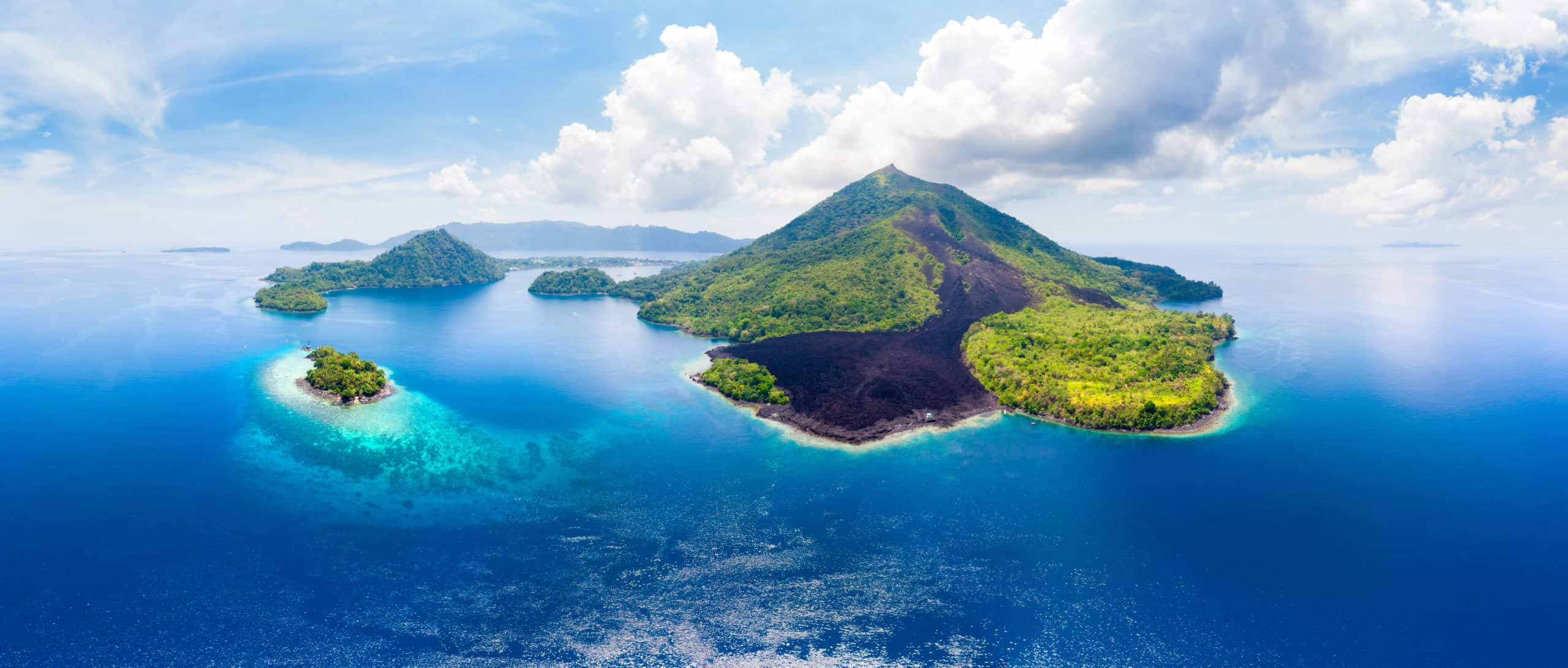 30 Amazing Islands to Visit With Wild Animals